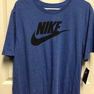 Nike Shirt sleeve tee